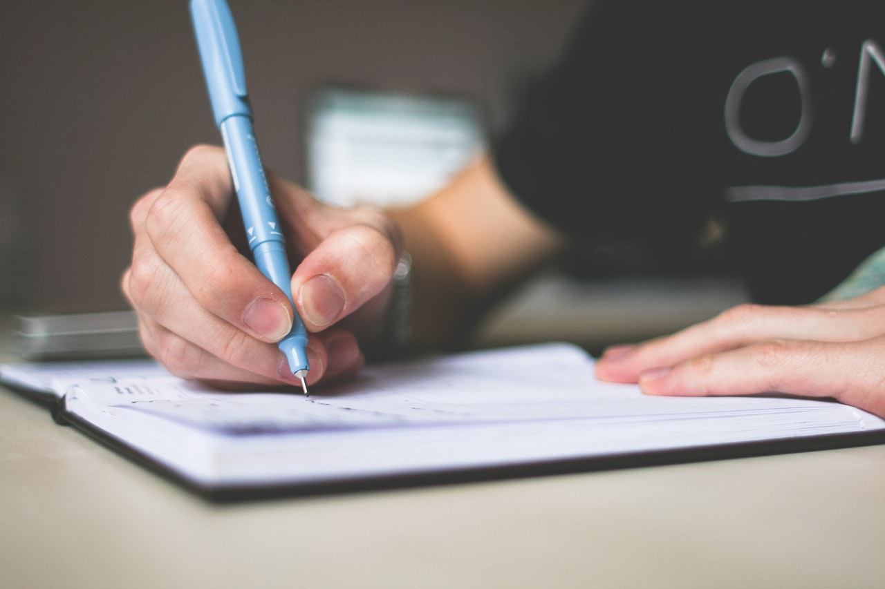Tips On How To Write A Descriptive Essay